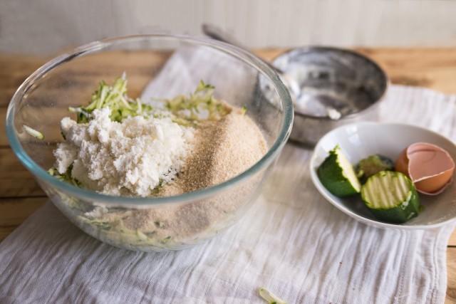 Polpette di zucchine listato step (10)