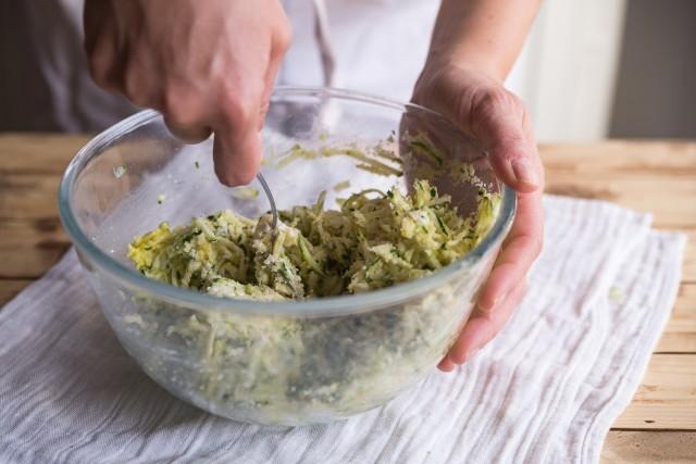 Polpette di zucchine listato step (12)