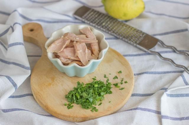 Step 2 calamarata con ventresca di tonno e cipolla caramellata