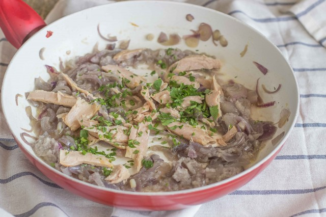 Step 4 calamarata con ventresca di tonno e cipolla caramellata