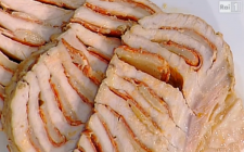 Arrosto di maiale con salame e grana: la ricetta di Anna Moroni