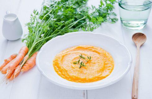 La crema di carote e zenzero con la ricetta semplice