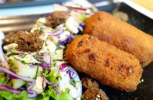 Le crocchette di riso e patate al forno con la ricetta sfiziosa