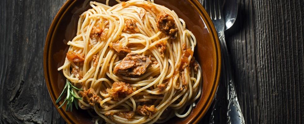 Spaghetti Alla Bolognese Il Piatto Del Venerdi Agrodolce