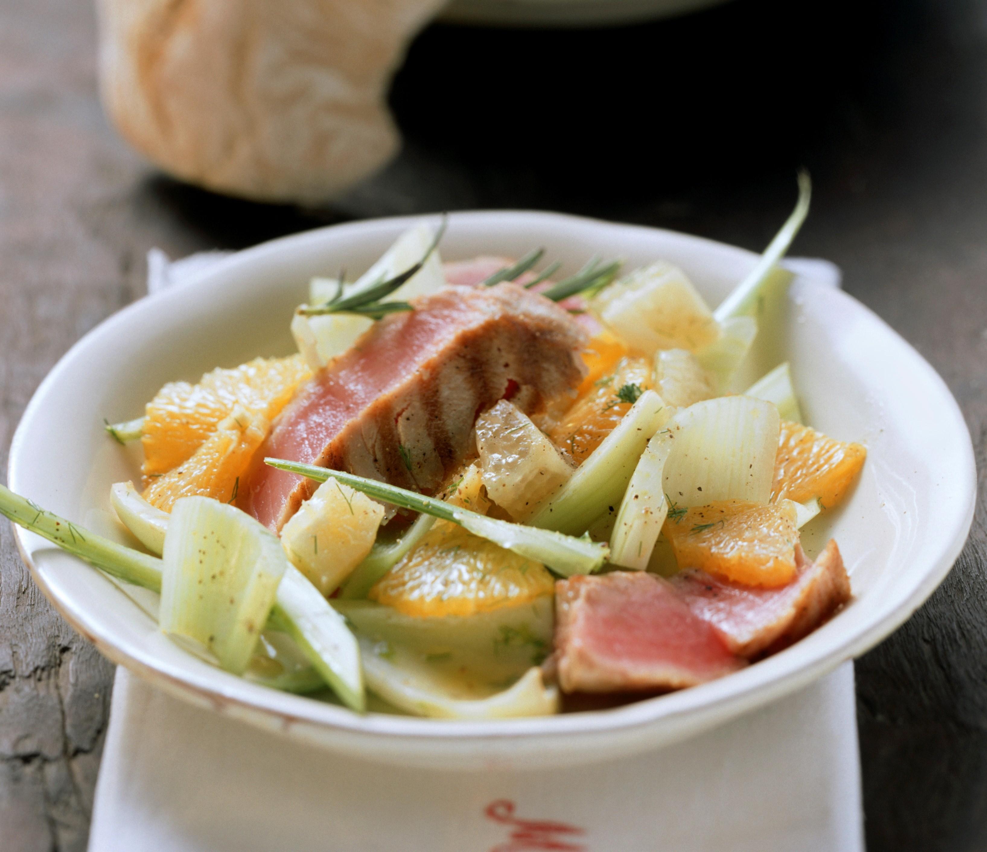 Insalata tonno e agrumi piatto unico agrodolce - Cucinare tonno fresco ...