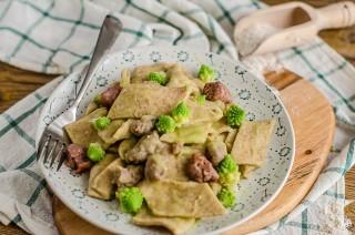 Maltagliati integrali con broccolo e salsiccia