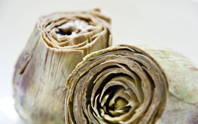 Carciofi ripieni al pecorino: la ricetta sfiziosa di Anna Moroni