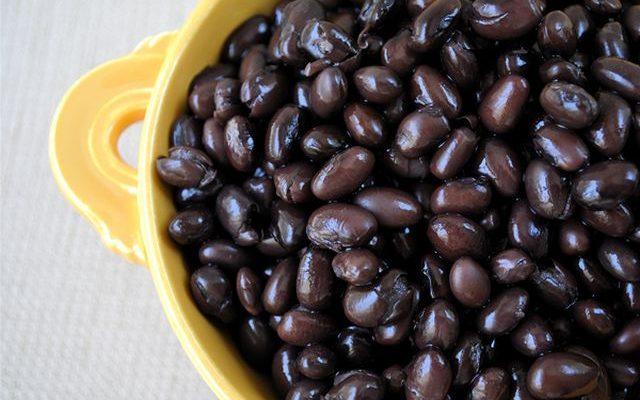 I fagioli neri alla messicana vegetariani semplici da preparare