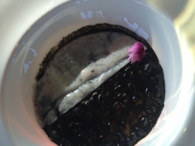 risotto nero di seppia e sfoglia di calamaro (1)