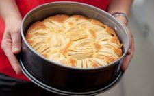 Come si fa la torta di ricotta e mele