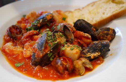 La ricetta della zuppa di pesce napoletana: ecco come farla