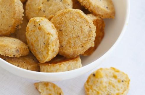 Cracker al formaggio, per l'aperitivo