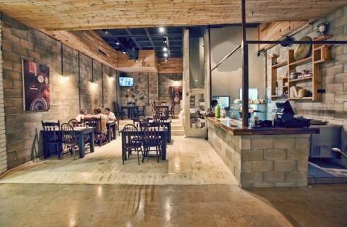 Humus Bar, conto dimezzato per ebrei e arabi che mangiano insieme