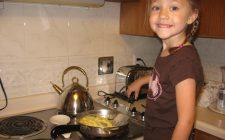Le uova e i bambini: i rischi per quelle crude, le ricette