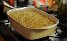 Il crumble di pere senza glutine con la ricetta veloce