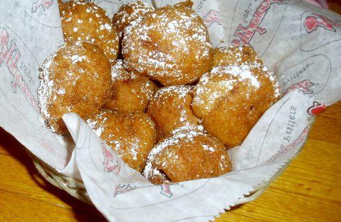 Le frittelle di pere con la ricetta di Anna Moroni