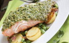 Salmone in crosta di pistacchi con humus di ceci: la ricetta di Natale Giunta