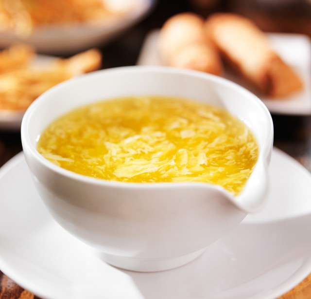 minestra di uovo
