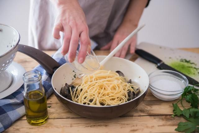 spaghetti con vongole step (20)
