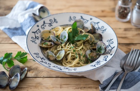 Spaghetti con le vongole, step by step