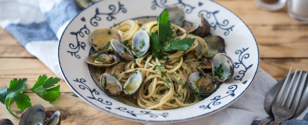 Spaghetti con le vongole, step by step