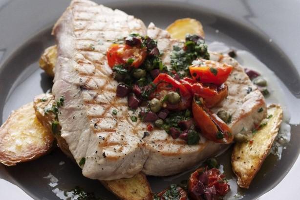 tonno con pomodoro e olive