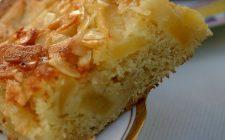 La torta di ricotta e mele senza burro perfetta per la colazione