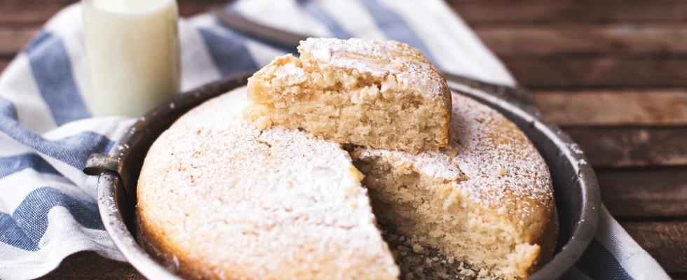 Torta senza latte e uova con vaniglia e limone