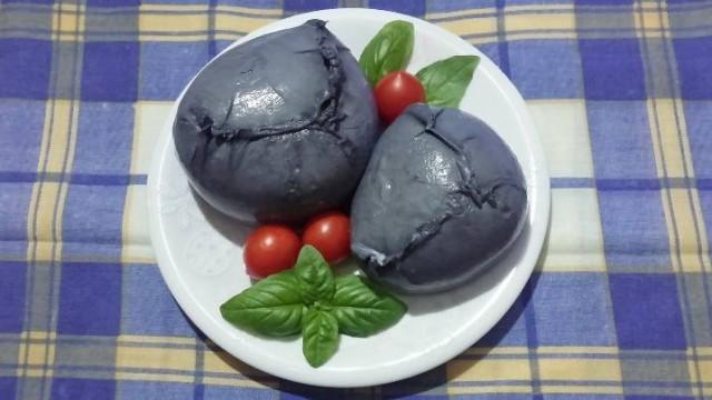 Mozzarella nera