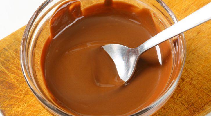 Come preparare il caramello mou con il latte condensato