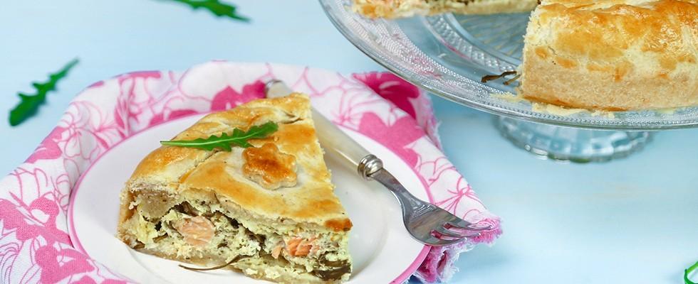Torta salata al salmone con stracchino e rucola