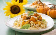 La pasta vegana con zucca per un pranzo sano e leggero