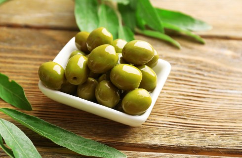 Sequestrate le olive verdi verniciate