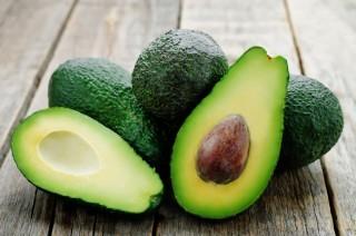 Avocado: tutte le proprietà benefiche del frutto