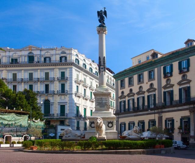 piazza dei martiri, napoli