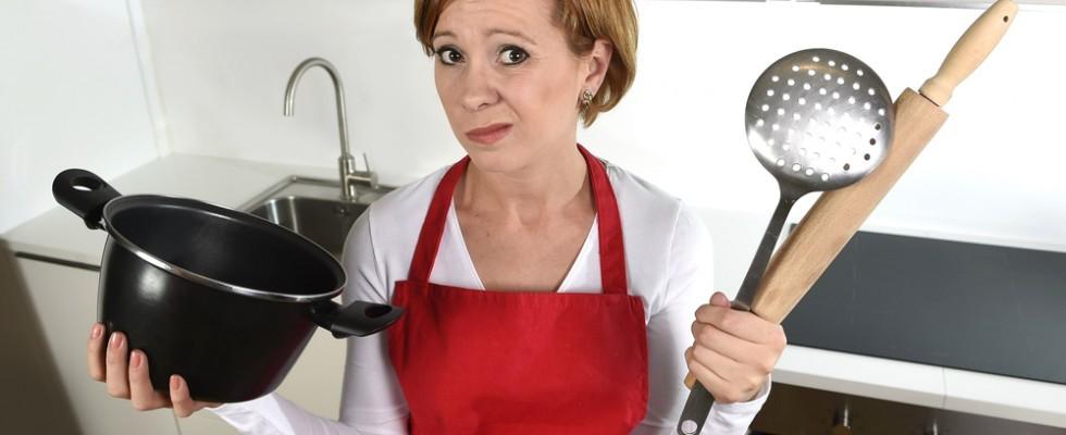 MacGyver in cucina: 7 soluzioni quando mancano gli strumenti adatti