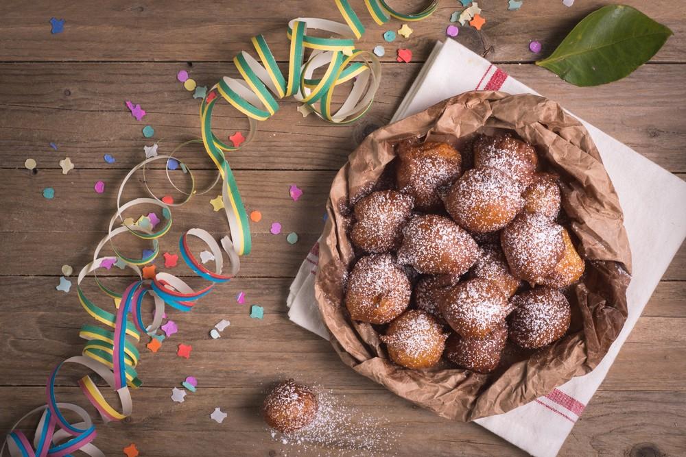 Il carnevale a tavola i dolci tipici in italia agrodolce for Dolci tipici roma