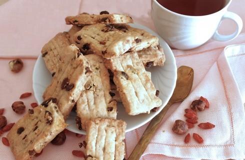 Biscotti vegani con bacche di goji