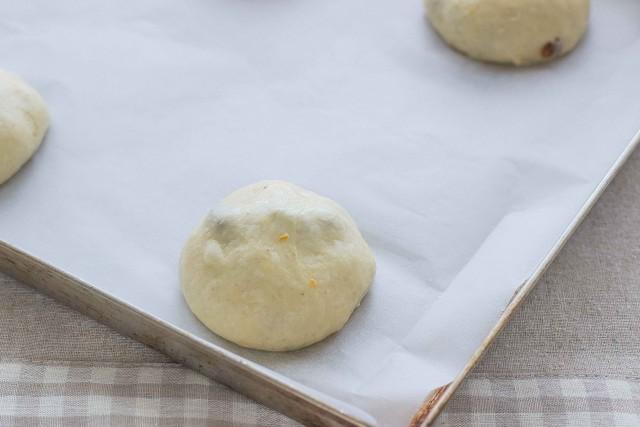 Step 3 hot cross buns
