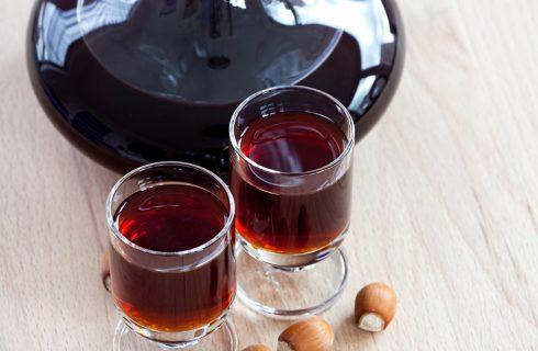 Il liquore di nocciole da fare con la ricetta casalinga