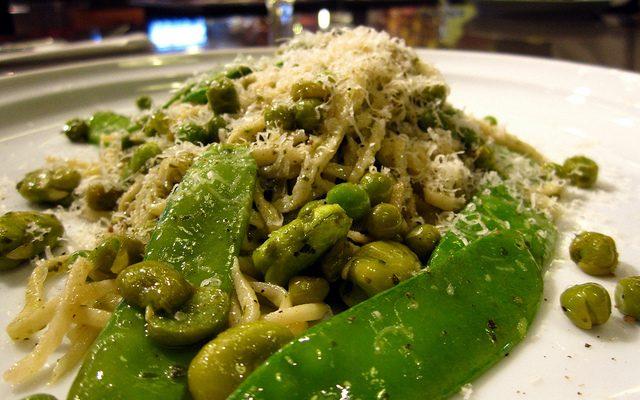 La pasta con fave e piselli con la ricetta di Cotto e Mangiato