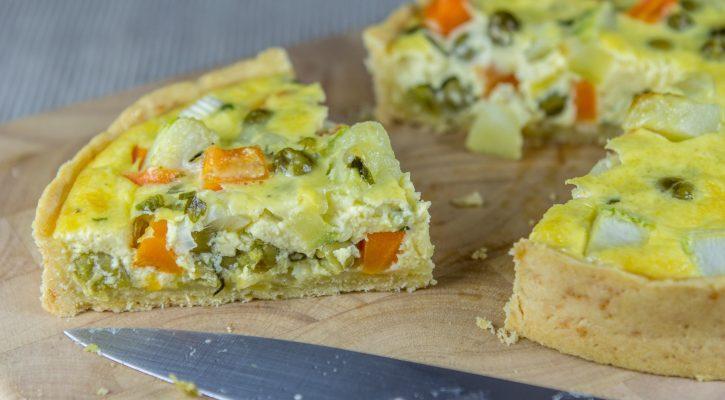 La quiche alle carote e piselli perfetta per tutta la famiglia