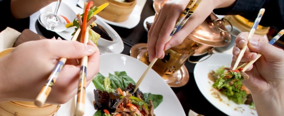 12 ragioni per mangiare in un ristorante etnico