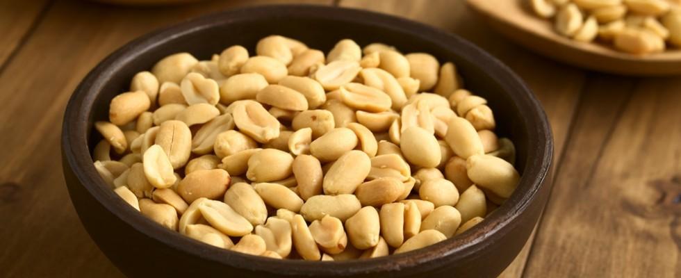 Arachidi: i benefici e 5 ricette per usarle in cucina