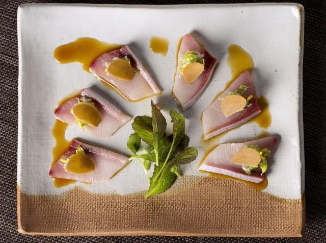 sliced yellowtail with green chilli relish, ponzu and pickled garlic - hamachi usuzukuri pirikara, ninniku gake 2-min (1)