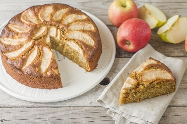 torta integrale con mele e cocco 1