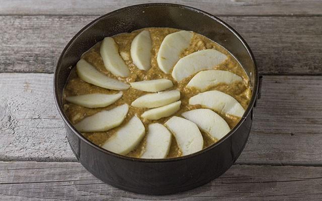 torta integrale con mele e cocco step6