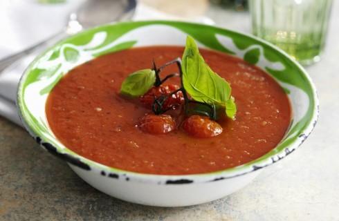 Zuppa di pomodori di stagione