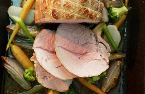 Arrosto di maiale con verdure: al forno
