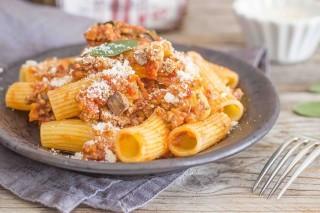 Rigatoni alla romana, ricetta tradizionale